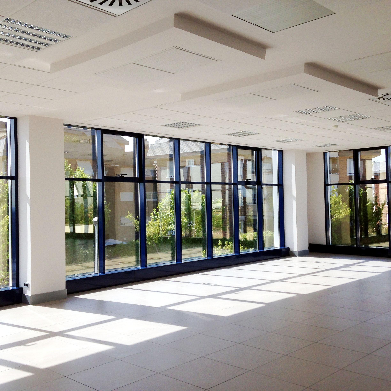 Interiorismo oficinas keyrus acicalia for Adeslas majadahonda oficina